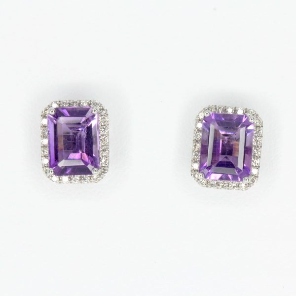 Emerald Cut Amethyst with Halo of Diamond set in 18ct White Gold