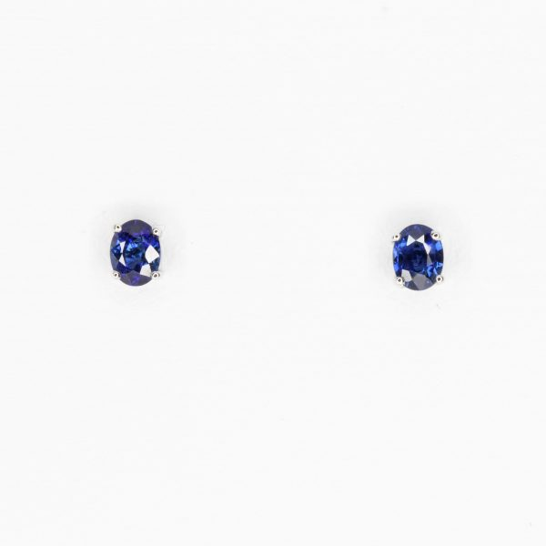Oval Sapphire Earrings set in 18ct White Gold