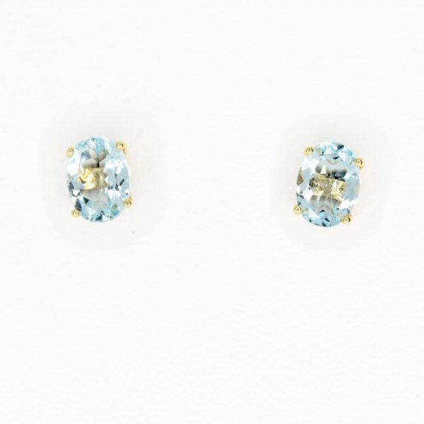 Oval Aquamarine Earrings set in 18ct White Gold