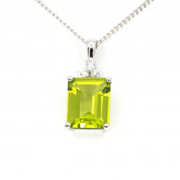 Radient Cut Peridot Pendant with Diamonds set in 18ct White Gold