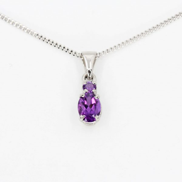Oval Amethyst Pendant set in 18ct White Gold