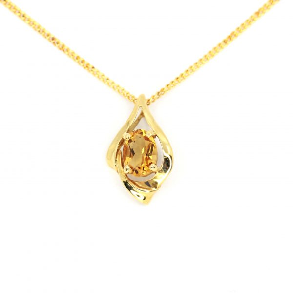 Oval Citrine Pendant set in 18ct Yellow Gold