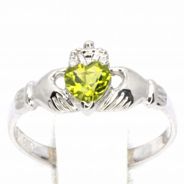 Heart Cut Peridot Claddagh Ring Set in 18ct White Gold