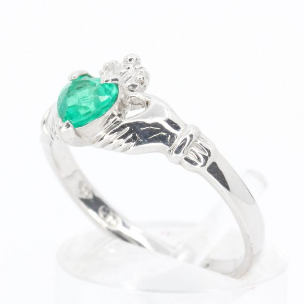 Emerald Claddagh Ring Set in 18ct White Gold
