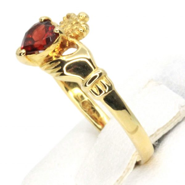 Garnet Claddagh Ring Set in 18ct Yellow Gold