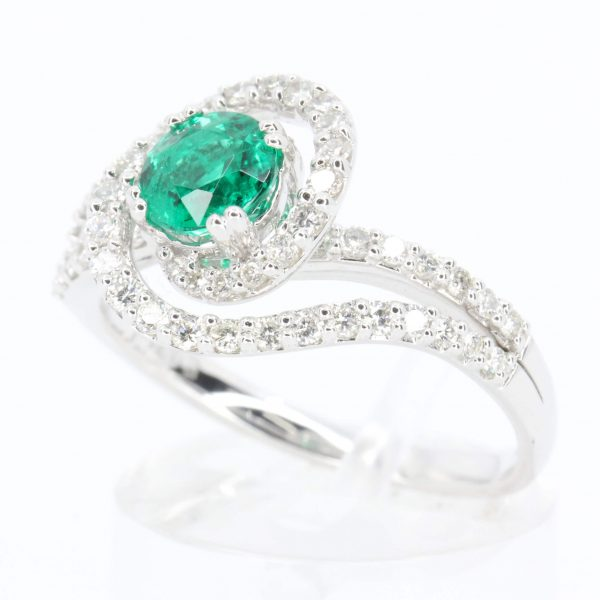 Round Cut Emerald Ring with Diamond Accents set in 18ct White Gold