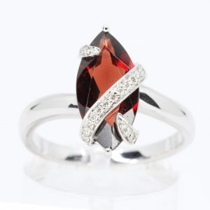 Marquise Garnet Ring with Accents of Diamonds Set in 18ct White Gold