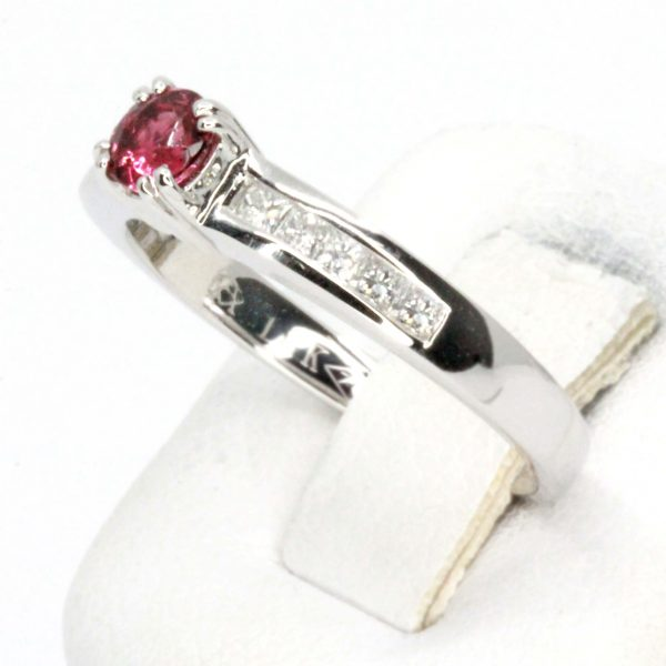 Round Cut Solitaire Pink Tourmaline Ping with Shoulder of Diamonds Vet in 18ct White Gold