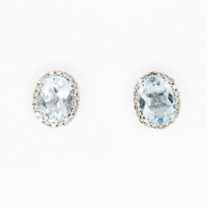 Oval Aquamarine with Halo of Diamond set in 9ct White Gold