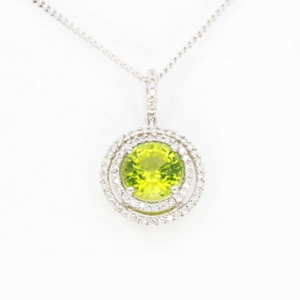 Round Cut Peridot Pendant with Diamonds set in 18ct White Gold