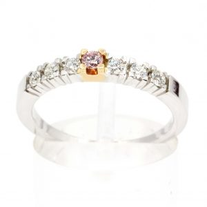 Round Brilliant Cut Diamond Ring with Pink Diamond set in 18ct White Gold