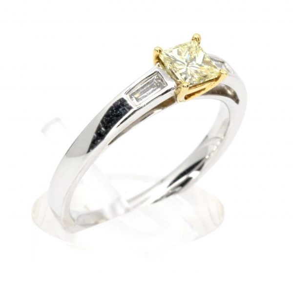 Princess Cut Diamonds Ring with Yellow Diamond set in 18ct White Gold