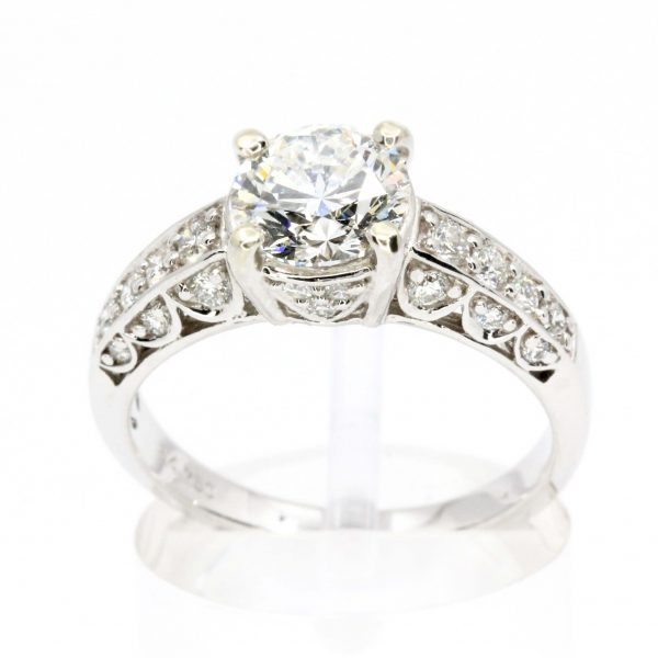 1.35ct Round Brilliant Diamond Ring set in 18ct White Gold