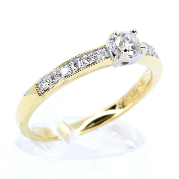 Diamond Ring with Shoulder Diamonds set in 18ct Yellow Gold