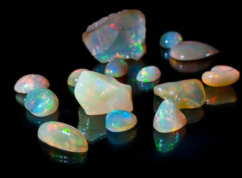 How to Buy Loose Opals Without Looking Clueless