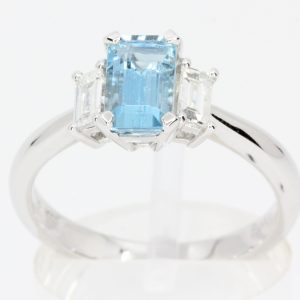 aquamarine stone ring