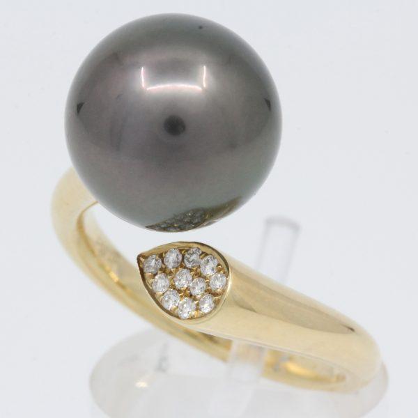 yellow gold tahitian and diamond ring