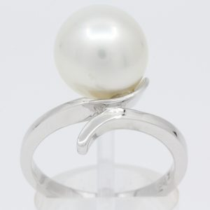 south sea white pearl ring