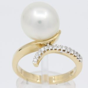 white pearl with diamonds yellow gold ring