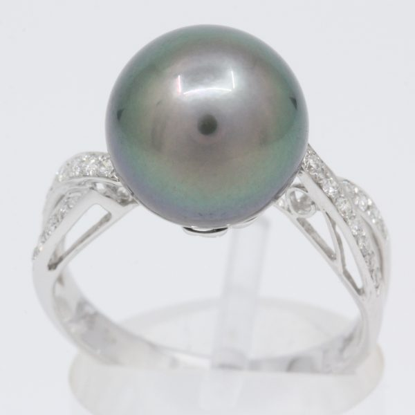 tahitian black pearl with diamond should accent