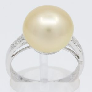 white south sea pearl diamond ring