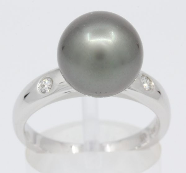 White Gold Tahitian Pearl Ring with Accent Diamonds