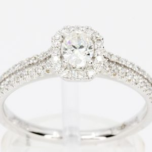 round diamond set white gold ring